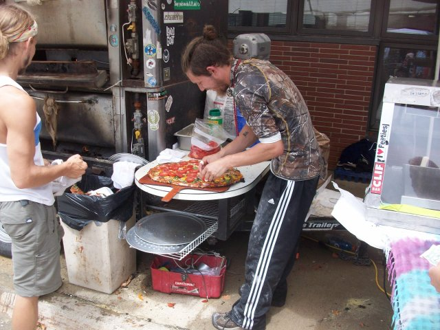 Street Pizza Makers