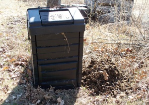 Compost Bin with Manure